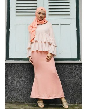 🍑P.E.A.C.H🍑theme with pleated double layer top @zalia_official from @zaloraid ..#ootdpost #ootdindo #ootdwedding #hotd #hijaboftheday #clozetter #clozetteco #clozetteid #aboutlook #lookoftheday #lookbook #stylista #instastyle #instafashion #instalike #vsco #vscocam #zalia #zalorastyleedit