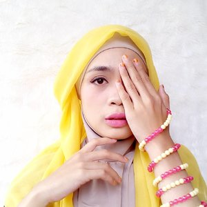 """sometimes you don't dream for things. You just let things work out by themselves and surprise you."" - @88lovelife......#hijab #hijaber #yellow #fashion #blogger #lifestyleblogger #clozetteid #starclozette #likeforlike #like4like #diaryhijaber"