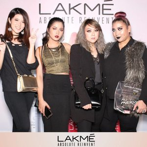 😻😻😻😻 . . #lakmeparty #lakmemakeup #ivgbeauty #indobeautygram #beautynesiamember #clozette #clozetteid #beautyjunkie #beautyjunkies #pathwxy #instamakeupartist #makeupporn #makeuppower #beautyaddict #beautyenthusiast #makeupjunkie #makeupjunkies #beautyvlogger #wakeupandmakeup #hudabeauty #featuremuas #undiscovered_muas