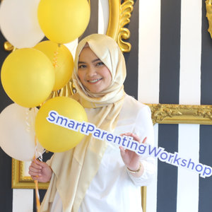 At today event, with my fellow Clozette Moms. . Thank you for having me @clozetteid and @parentingclubid . . #SmartParentingWorkshop #ClozetteID #ClozetteIDXParentingClubId #pintarnyabeda #parentingclubID