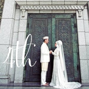 Every love story is beautiful, but ours is my favorite. Happy 4th anniversary @ben_yitzhak  #weddinganniversary #4th #anniversary #wedding #ClozetteiD