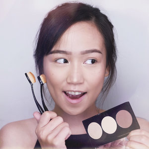 [GIVEAWAY TIME] Swipe left to see my transformation before and after contouring and highlighting! Can you see the difference?? I use Better Oval Contour Brush from @madformakeup.co and @mizzucosmetics Alter Ego contour and highlight palette. WANNA WIN THIS PRODUCTS?  1. Follow @madformakeup.co @mizzucosmetics and @cclaracr  2. Comment down below why you should win, and tag 3 of your friends down below👇🏼👇🏼 3. The winner will be announced on @madformakeup.co instagram stay tune on 22 November 2017! Goodluck rebels! . . #alteregomizzu #betterovalbrush #madformakeup #ibv #ibvlogger #indobeautygram #ivg #ivgbeauty @indovidgram @indobeautygram #hudabeauty #clozette #clozetteid #undiscovered_muas #make4glam #wakeupandmakeup @undiscovered_muas @featuremuas @underratedmua #beautyjunkie #beautyenthusiast