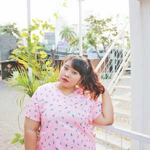 Summer is all about ice cream and fun outfit. Why not both? Yep, that's ice creams pattern on my dress. No bikini body? No problem.  #ootd #ootdbigsize #ootdbigsizeindo #fashion #cute #ootdplussize #ootdcurvy #ootdplussizeindo #ootdbigsizeindo #curvy #clozetteid #summeroutfit #summer #pink #icecream #🌞 #blogger #bblogger #beautyblogger #surabayabeautyblogger #sbybeautyblogger #bodypositive #ilovemyself #ootdindo