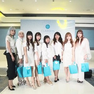 Throwback from yesterday event!! The Secret of Timeless Beauty with Beautyphilosophy. We enjoy fashion show by Fonny Tunggal and Nancy Warren also Beauty Talk Show by Clariskin and Warren Tjandra.  Last but not least, our friend @chelseaflo win the grand prize of Beauty Gift worth Rp. 10.000.000. Congratulations!!! #beauty  #makeup #makeupaddict #makeupjunkie #makeover #ClozetteID #beautyblogger #beauty #indonesian #bblogger #instamakeup #instabeautyeyr #beautybloggerid #beautybloggersurabaya #surabayabeautyblogger #indonesian #beautyevent #fashionshow #summerfashionshow #couturefashion #beautytalkshow #talkshow #eventsurabaya