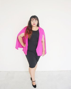 It's not about the size. It's also not about the skintone that makes you pretty. Confidence is the best thing you can wear from head to toe to make you even more beautiful. Chin up, smile, and spread the positivity to the world. . . Pink Cape Blazer and Black Pencil Skirt from @bodybigsize  #ootdsahabatfabi  #ootd #ootdbigsize #ootdbigsizeindo #fashion #cute #ootdplussize #ootdcurvy #plussizeindonesia  #ootdplussizeindo #ootdbigsizeindo #curvy #clozetteid #blogger #bblogger #beautyblogger #surabayabeautyblogger #sbybeautyblogger #curvygirl #plussize #bodypositive #celebratemysize #ootdindonesia #ootdindo #curvystyleideasid #summer  #celebratemysize #beautyhasnosize