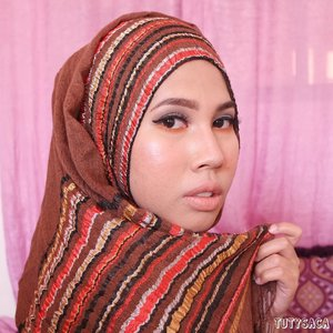 Happiness is about loving what you have and being grateful for it. Loving you my darling 😘😘😘😘 ..#bloggerbabes #bblogger #hijabblogger #hijabmakeup #bloggerperempuan #bloggerstyle #indonesianblogger #makeuplover #makeupjunkie #clozetteid