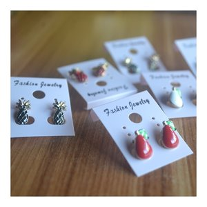 cute earing coloring your day.