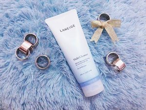 "Laneige Multi-Cleanser 😍 Yes! It's ""multi"" because it has many functions, which are removing makeup, removing sunscreen, exfoliating, and cleansing😊 Start your day with this amazing cleanser to #SparklingYourBeauty, girls! #Day4withlaneige (it should be yesterday haha)  #MyWeekWithLaneige #SparklingBeauty #clozetteid #clozettedaily #skincare #beautytreatment"