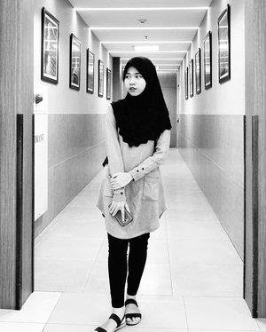"""Sometimes, you need to step outside. Get some air. And remind yourself of who you are and who you wanna be.""...Photographed by @maimunahsm #PRIORITASSelfie #blackandwhite #monochrome #perspective #clozetteid @xlprioritas"