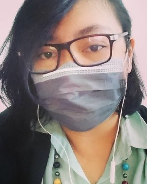 Flu 😂😭 Mulai beler 😂 . . . . #work #flu #gettingsick #tetapsemangat #masker #myface #face #selfpotrait #me #selfie #myself  #enjoytheday #enjoylife #travelerblogger #womanlifestyle #womantraveler #ritystory  #travelerlife #mytravelgram #instatravel  #instaphotoshoot #womanentrepreneur #photooftheday #picsoftheday #travelgram #clozetteid #myadventure #wanitatangguh #wanitapekerjakeras😊👯