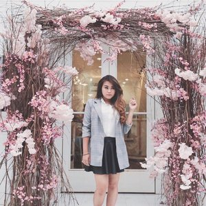Have you join #district7photocompetition on this cherry blossom thing? This is my #OOTD at @district7.coffee PIK #district7sakura 🌸🌸🌸 Wish me luck 🤞🏻 . . . #ootd #stylenanda #styleootd #lookbook #fashion #ootdindo #potd #lookbookindonesia #clozetteid