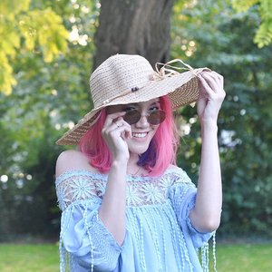 Whatever you do, don't forget to be happy ☀️💙.*taken2seasonsago*...#clozetteID #happiness #qotd #lotd #pinkhair #mermaidhair #unicornhair #AsianinEurope #asianbeautyblogger #fblogger #indonesianbeautyblogger #beautybloggerindonesia #beautybloggerindo