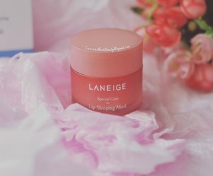 Currently can't live without this #lipsleepingmask from @laneigeid. I am literally free from dried, chapped #lips and I can use liquid #lippies smoothly without having to put lip balm in advance. It smells heavenly like strawberry chewy candy. A def #musthave #lipcare product!  Full #review on my #blog: https://curiousaboutbeauty.blogspot.com/ (or click the #linkinbio)  #clozettedaily #clozetteID #clozetter #CIDreview #CIDskincare #beauty #laneigelipsleepingmaskreview #skincare #beautyblogger #asianbeautyblogger #beautyreview #skincareaddict #indonesianbeautyblogger #beautybloggerindo #beautybloggerid #beautybloggerindonesia #fdbeauty #abreview