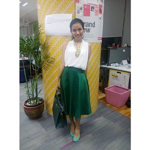 Emerlad Green #clozetteID #COTW #TOUCHOFGREEN #greenfashion #green #fashioncompetition #fashionquiz #fashion #OOTD