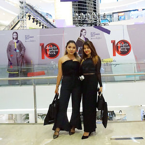 Attending @lasalleindonesia fashion show at @jfwofficial with my gorgeous sister 💕  Thanks for having us 🙏🏻✨ Ps : swipe to see more photos . . .  #jfw2018 #jakartafashionweek #jakartafashionweek2018 #ootd #outfitoftheday #lasalle #lasallefashionshow #fashion #fashionstyle #vsco #vscocam #lookbook #style #fashionblogger #fashionaddict #fashionweek #womenfashion #blackoutfit #blackstyle #black #clozetteid