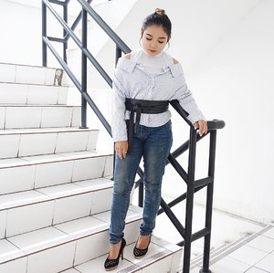 Happy Sunday everyone .  Top from @jessa.collection  Obi belt from @berrybenka . . .  #ootd #outfitoftheday #fashion #fashionstyle #casualstyle #casualootd #clozetteid #vsco #fashionblogger #fashionenthusiast #berrybenkalook #meandberrybenka