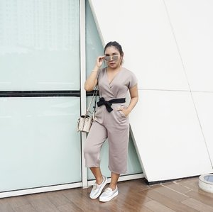 Pose 😎 .  Jumpsuit from @lapriere.clothing . . .  #ootd #outfitoftheday #vsco #vscocam #fashion #fashionstyle #fashionblogger #fashionenthusiast #clozetteid #ootdindo #lookbookindonesia