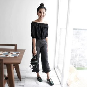 The only time I succeeded at making a messy bun is the time I am stepping out of the house to get a haircut haha. Why.  #clozetteid #ootd #lotd #lookbook #stylestalker