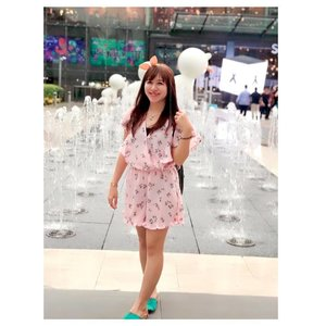 """Your smile will give you a positive countenance that will make people feel comfortable around you."" — Les Brown  #clozetteid #starclozetter #beautyblogger #blogger #indonesianbeautyblogger #ootd #potd #asian #cottonon #thailand #siamparagon #wakai #pink #girl #ulzzang #fotd #throwback #holiday"