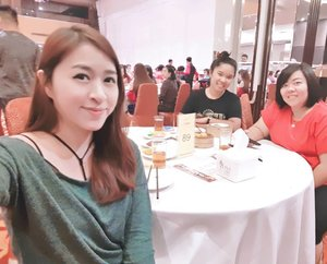 #girls #girlstime #hangout #clozetteid #blogger #beautyblogger #sense #restaurant #indonesianbeautyblogger #friends #friend #starclozette #getaway