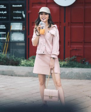 Pink mood for @pomelofashion's holiday collection cause my holiday is not over yet👯‍♀️👯‍♀️ #Pomelosquad #TryPomelo #myPomelo #clozetteid #ggrep #cgstreetstyle #looksootd #lookbookindonesia #ootdindo