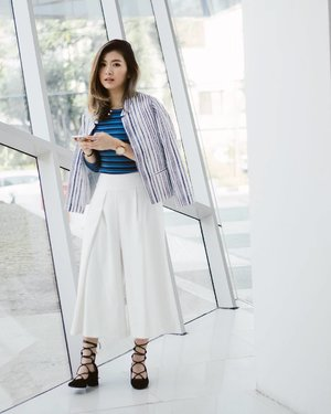 Last look for @minimalstores challenge, LOOK 4: I paired the horizontal stripes top with vertical stripe blazer and white culottes. And voila! A stylish meeting outfit for you! 😉 #iwearminimal #clozetteid #ggrep #cgstreetstyle #looksootd
