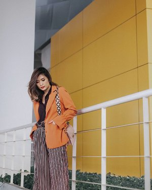 More and more outer this time ft @pomelofashion 's Adalie Poet blazer 💋 #TryPomelo #MyPomelo #clozetteid #Lykeambassador #looksootd #lookbooknu #cgstreetstyle #ggrep