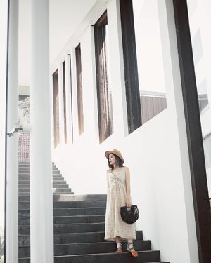 Easy summer outfit featuring @avgal_collection dress and @balirotan bag 👚👜 #summerescape #baligasm #swissbelhotel #baligateaway #baliholiday #baliescape #clozetteid #lykeambassador