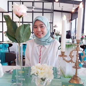 Wearing my best smile to Ifthar with @hijaberscommunitybks & @azaleabeautyhijab In @3cooks. Azalea is sister brand of Nature and they have concern with hijaber's hair care. They formulated their product that can suit well for woman who wearing hijab😍💚...#clozetteid #azaleahijabshampoo#therealhijabhaircare#azaleahijabdating#azaleaxHCBekasi #ulzzang #fashionblogger #블로거 #얼짱#패션스타그램 #패션블로거 #스트리트패션 #스트릿패션 #스트릿룩 #스트릿스타일 #패션 #스타일#일상 #데일리룩 #셀스타그램 #셀카 #ブロガー #ファッションブロガー