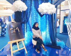 #throwback Tuesday. Grand Launching Safi Research Institute @safiindonesia💙💙 Skincare asal Malaysia yang Halal, Natural, dan Teruji ini sudah officially masuk ke Indonesia. Untuk kalian yang mau tau keseruan acara Grand Launching kemarin di Grand Atrium Mall Kota Kasablanka, bisa langsung cek post baru aku di Blog, as always click link on my bio🙂 Alhamdulillah, #SafiAdaUntukKitaQuick update of my outfit :Shirt : @lovebonitoidNecklace : @berrybenkaShoes : @bataindonesia...#clozetteid #HalalNaturalTeruji  #SafiResearchInstitute #HalalNaturalTeruji