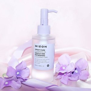 Mizon Great Pure Cleansing Oil ( from @elsyoungid ) does get rid of regular and waterproof makeup.Overall, I am very impressed with this cleanser. I do think that it suits all skin types, even oily ones because it doesn't strip off the natural oils off of your face and it deep cleanses your skin. #clozetteid #mizon #koreabrand