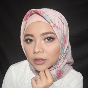 The most beautiful makeup for woman is passion. But, cosmetics are easier to buy. —Yves Saint Laurent 💖 Natural makeup look for Eid Al-Fitr 🌸 @ratubulumata 5594 #diFACEbeauty #makeupbydifa #gengbvlog・・・#BeautyChannelID #CollabwithBCID #BCIDCollab #ramadhan2018 #makeupramadhan #makeuplebaran #makeupidulfitri #blushongemes #blushondemam #indobeautysquad @indobeautygram #indobeautygram #bvloggerid #beautyvlogger #beautybloggerindonesia #indomakeupsquad #setterspace #beautygoersid #beautychannelid #100daysmakeupchallenge #bunnyneedsmakeup #hypnaughtymakeup #wakeupandmakeup #makeuptutorialsx0x #xmakeuptutsx @tampilcantik #tampilcantik @hijabersbeautybvlogger #hijabersbeautybvlogger #clozetteid