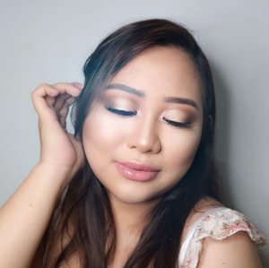 This looks supposed to be @nikkietutorials inspired looks for my channel. But I feel this is not good enough so I upload it here. Enjoy! Deets 🌸 @makeupforeverid step 1 smooting primer @catrice.cosmetics all matt foundation 025 @maybelline fit me concealer 10 @rcmamakeup no color powder @maccosmetics studio fix powder @katvondbeauty shade and light contour @nyxcosmetics_indonesia mozaic powder blush @thebalmid mary lou highlighter @toofaced sweet peach palette @minisoindo eyalash @catriceindonesia shine appeal fluid lipstick 090 @nyxcosmetics_indonesia matte setting spray . . . . . . . . . . #nyxcosmeticsid #GetClosewithSamantha . #beautyblogger #fashionpeople #fblogger #blogger#thebalmid #catriceindonesia #katvond #makeupforever #maybellineid #makeupjunkie #l4l #ggrep#smile #makeup #bblogger #BeautyChannelID#hudabeauty #japankorea#bloggerceriaid#beautybloggerindonesia#sociollabloggernetwork #clozetteid