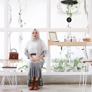 Your mind always believe everything you tell it.. Feed it hope.. Feed it truth.. Feed it with love -thegooquote . . #clozetteid #fashionblogger #influencersurabaya #hijabfashion #hotd #sbybeautyblogger #influencersurabaya #influencer #beautyblogger #beautybloggerid #훈녀 #훈남 #팔로우 #선팔 #맛팔 #좋아요 #셀카 #셀피 #셀스타그램 #얼스타그램 #일상 #일상그램 #데일리룩 #주말 #훈녀 #훈남