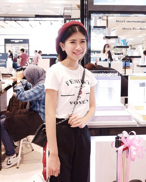 "Congratulation for Grand Launching New Counter @dermalogica_indonesia at SOGO @pvjofficial Bandung. In this event I tried ""Skin Bar Class"" and the result I really like it because my skin feels fresher and shine after using the product from @dermalogica_indonesia 🖤...#dermalogica #dermalogicaindonesia #dermalogicaskincare #skincare #treatment #kesehatankulit #beautybloggerindo #bdgbeautyblogger #beautybloggerindonesia #bandungbeautyblogger #ootdstyle #style #styleblogger #fujifilm #fujifilmxa5 #ggrep #clozetter #clozetteID#fashionblogger #bloggerstyle #bloggerfashion#bloggermafia #ootdfashion #ootdstyle #influencer #influencerstyle #charisceleb #indobeautygram"