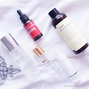 Current morning skincare menu 💃 :..🌱 @sensatia_botanicals cleopatra rose facial wash (not in the picture). Someone told me to try this one and yeah, I am falling in love 😍😍. ..🌱 @wardahbeauty white secret pure treatment essence.. Just added this essence two weeks ago. But I think I love it. And now only half a bottle left 😁😅. Light.. Easy to absorb.. Perfect for 7 skin method 😍...🌱 @klairs.global supple preparation facial toner. My all time fave hydrating toner. 😍...🌱 @bioessenceid gold water. Just added it a month ago. OMG this is so good. The texture is a little bit thick, but. I think it suitable for all skin type. A little bit tacky, but you might love to use it before makeup 😉😉😉. ..🌱 Last drop of @trilogyproducts rosehip oil antioxidant. Yes my last drop 😭😭😭. ..🌱 @votre_peau sun shield. For those of you who lazy to use sunscreen, please try this one. And you gonna love the sunscren 😍😍. It become my fave part of skincare routine 😉😉😉. ...#mykittybeauty #clozetteid #skincareroutine #morningskincare #morningskincareroutine #femaledaily #jogjabloggirls