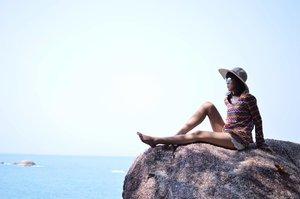 Friday yaaiiyy 💙 in between of two blues 😎 . . Location: Rambak Beach, Sungailiat, Bangka. . . . . . #explorebangka #explorebangkaisland #explorebangkabelitung #bangkabelitung #traveling #instatravel #enjoybabelisland #beach #blogger #fashionblogger #fashion #streetstyle #style #lookbook #ootd #ootdmagazine #ootdindo #lookbookindonesia #chictopia #nikon #nikonindonesia #nikonfashion #fashionblog #outfit #fashionselection #Clozette #ClozetteID #ClozetteXAirAsia #KLFWRTW2016