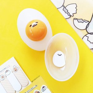There's always a reason to buy cute stuff.  I wanna buy Holika  Holika X Gudetama Face 2 Change Photo Ready Cushion BB at first but I'm pretty sure the shade won't match my skin, so I bought this and really forget that I have 5 peeling gel products. 😵一#ClozetteID #CIDskincare  #skincarejunkie  #skincareblogger #abskincare  #abcommunity  #slaytheflatlay #rasianbeauty  #gudetama  #koreanbeauty #koreanskincare  #ぐでたま