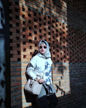 Don't let the shadows of yesterday spoil the sunshine of tomorrow -Unknown-....#ClozetteID #Hijab #Blogger #IndonesianBlogger #fashionenthusiast #beautyenthusiast