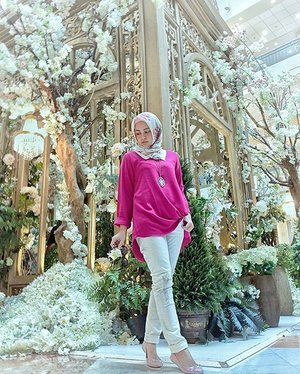 "Dear @plaza_senayan ,I would walk in your enchanted garden with thousands of beautiful flowers to saying ""Happy 21st anniversary. May your days ahead be as beautiful as your enchanted Garden"".......................#plazasenayan #plazasenayan21stanniversary #PS21stanniversary #plazazenayangiveaway #plazasenayansnapandwin.#clozetteid #Blogger #indonesianblogger #beautyenthusiast #FashionEntusiast #BeautyLovers #FashionLovers #LifeStyleBlogger #beautyblogger #indonesianbeautyblogger #indonesianfemaleblogger #femaleblogger #indobeautyblogger #cgstreetstyle #ootd #outfitoftheday #streetstyle #fashionaddict #streetfashion #dailyfashion #womanfashion #fashionable #instafashion#Like4Like"
