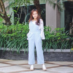 Good morning! 🌞 Back to werk 💪🏻 after short yet fun holiday with #hahahihi #saltsquad 🌈 I'm welcoming Tue with pastel denim jumpsuit from @metoyoubutik 💕 #clozetteid #clozetteambassador #ootdindo #lookbookindonesia #lookbookmagazine