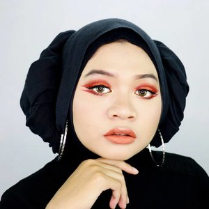 Happy Chinese New Year 🎉🏮 Wishing you a happy and prosperous new year 🙏 __ #fotd #motd #eotd #makeup #beauty #hijaber #hijabstyle #hijabstyleindonesia #clozetter #clozetteid #CNY2018 #cny #chinesenewyear