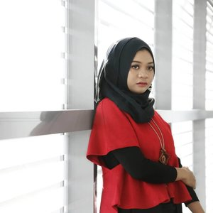 When people feel more confident while wearing red lipstick, I feel more confident while wearing red clothes..__#ootd #gadzoticastyle #lookbook #lookbookindonesia #fashion #fashioninfluencer #hijabersurabaya #candid #streetfashion #hijabootd #hijabootdindo #hijabootdindonesia #hijabstyle #hijabstyleindonesia #inspirasihijab #hijabinfluencer #fotd #bblogger #bbloggerid #fashionblogger #beautybloggerid #훈녀 #influencer #beautyinfluencer #photography #clozetter #clozetteid