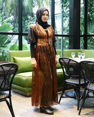 Love yourself. It is important to stay positive because beauty comes from the inside out..Jenn Proske.__#ootd #fotd #glam #fashion #style #hijaber #hijabootdindo #clozetteid