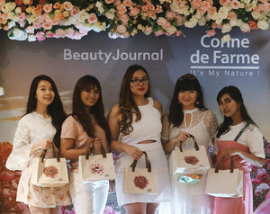 Still from yesterday' event! Will be up soon on www.jssicanovia.com, stay tune ❤️ @beautyjournal  @corinedefarme_id  #corinedefarmexbeautyjournal #beautyjournal #micellarwipes #micellarlotion #corinedefarme . . . . . #beauty #blogger #fashion #fashionblogger #lookbook #lookbookindonesia #ootd #ootdindo #wiwt #potd #vscocam #eosm10 #lovelife #instagood #ootd #ootdindo #lookbook #lookbookindonesia #lifestyleblogger #ggrep #eosmdiaries #charisceleb #beautynesiamember #sociollabloggernetwork #clozetteid