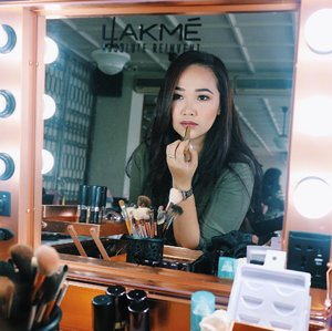 "Trying the best seller ""Argan Oil Lip Color"" from @lakmemakeup today at Day to Night Makeup Class with @lakmemakeup and @womantalk_com . . . . #motd #makeupoftheday #art #mua #muajakarta #muaindonesia #makeup #makeupartist #selfie #girl #indobeautyblogger #beautyblogger #beauty #blogger #indobeautygram #beautybloggerindonesia #youtuber #youtuberindonesia #lagirlcosmetics #makeupwisuda #makeuprevolution #wakeupmakeup #vegasnay #mymakeup #muaawesome #beautybloggerindonesia #lakmemakeup #jemmaclassxlakmé #jemmaclassxlakme #dailymakeup #clozetteID"