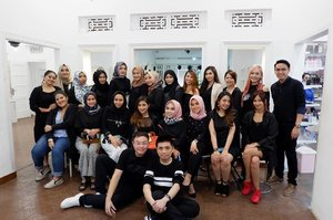 Artisan soirèe with @artisanpro & @makeupuccino and others beauty influencer.  Thankyou for having me! 😘  #artisansoireebandung #artisanpro #beautyblogger #blogger #gathering #clozetteid