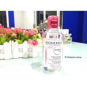 Good morning ☀️rise and shine! Don't forget to tune your skin before applying skincare or makeup. It will help removing any residue left behind, and also retuning the skin, preparing it to absorb the skincare better 😃 Here is my all time favorite #micellarwater that I have been sworn by till now, @bioderma_indonesia. Though I have oily skin, but since my skin condition is currently not in a good condition; therefore I am using the #Bioderma Sensibio H2O to fight acne and pimples. What's your current favorite / your holly grail toner? Have a bless day! Gbu 😘#blossomshine #skincare #skincareroutine #clozetteid #haul #beauty #beautyaddict #beautyjunkie #beautyblog #beautyqueen #beautyroutine #jakarta #indonesia #indonesianbeautyblogger #indobeautygram#makeupjunkieissue #makeup #makeupblogger #makeupmafia #makeupartistjakarta #makeupjunkie