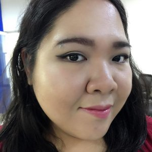 Happy #weekend everyone! Today's #motd: - Brow Pencil @revlonid - Stay Matte Foundation @nyxindonesia - Solomon Setting Powder - @citycolorcosmetics 6 in 1 blush palette - @makeoverid Contour & Highlighting duo - @nyxcosmetics white jumbo eye pencil as base - @chichicosmeticsofficial Nude Eyeshadow Palette - @mizzucosmetics black gel liner - @silkygirl_id Mooisture Boost Lip Color in Rose no 4  #bsbeauty16 #clozetteid #makeup