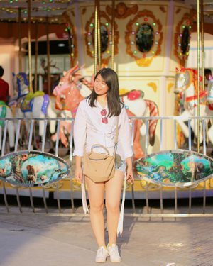 Feels like in the wonderland💕🎠 | 📸: @tiffanikosh . . . . . #clozetteid #deagoestobkk #instabkk #instabangkok #instathai #instathailand #explorebkk #explorebangkok #asiatique #theriverfront #bangkok #bkk #thailand #thai